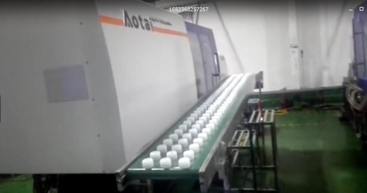 澳太精密双色注塑机--大桶水瓶盖生产